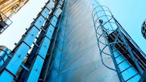 Фото металоконструкції, елеватори норії для вертикального переміщення сипучого матеріалу, конвеєрні системи, елеваторні комплекси